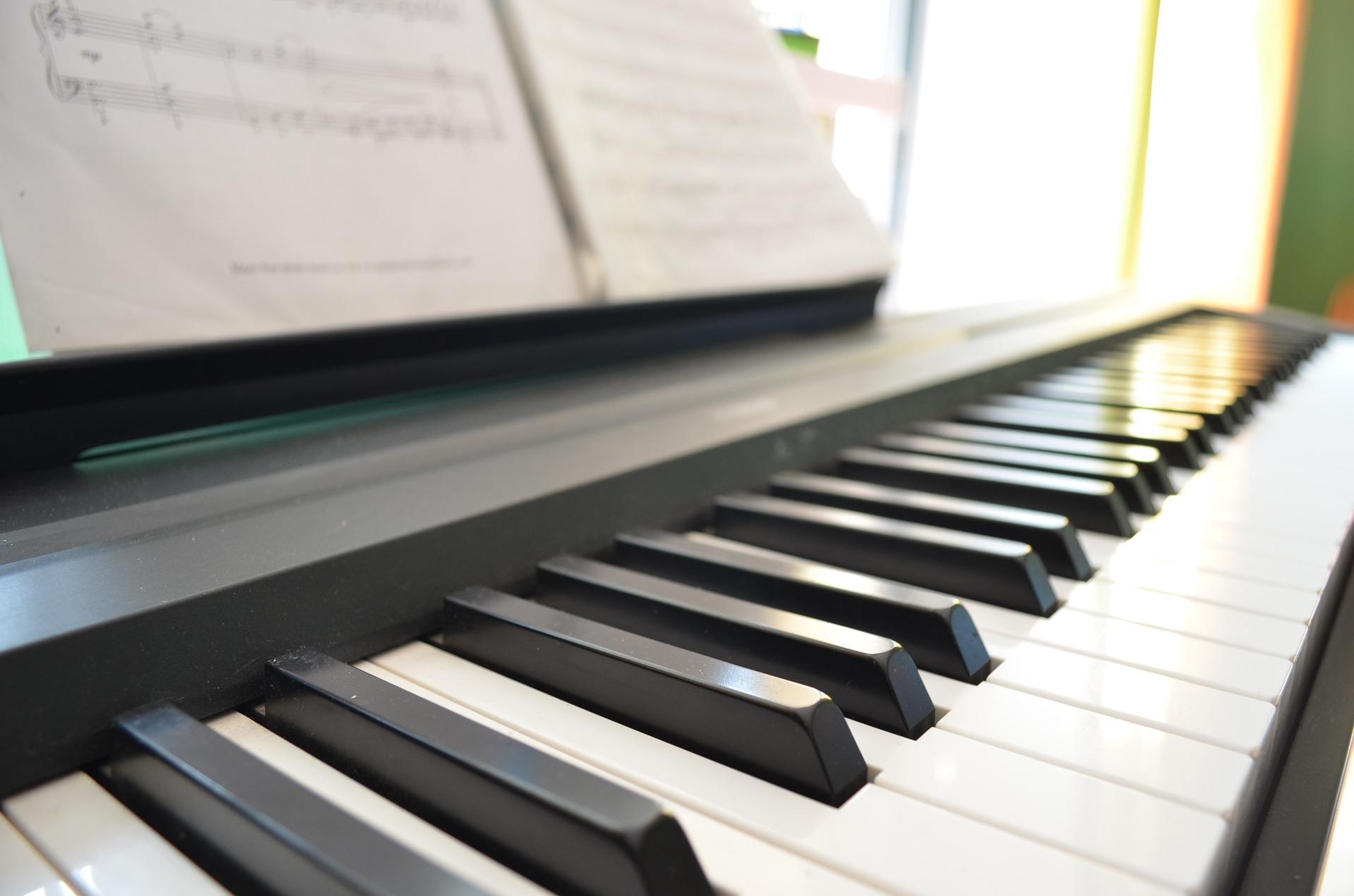 Поздравления картинки, картинки с фортепиано
