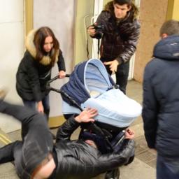 Социальный эксперимент: каково быть матерью в России?