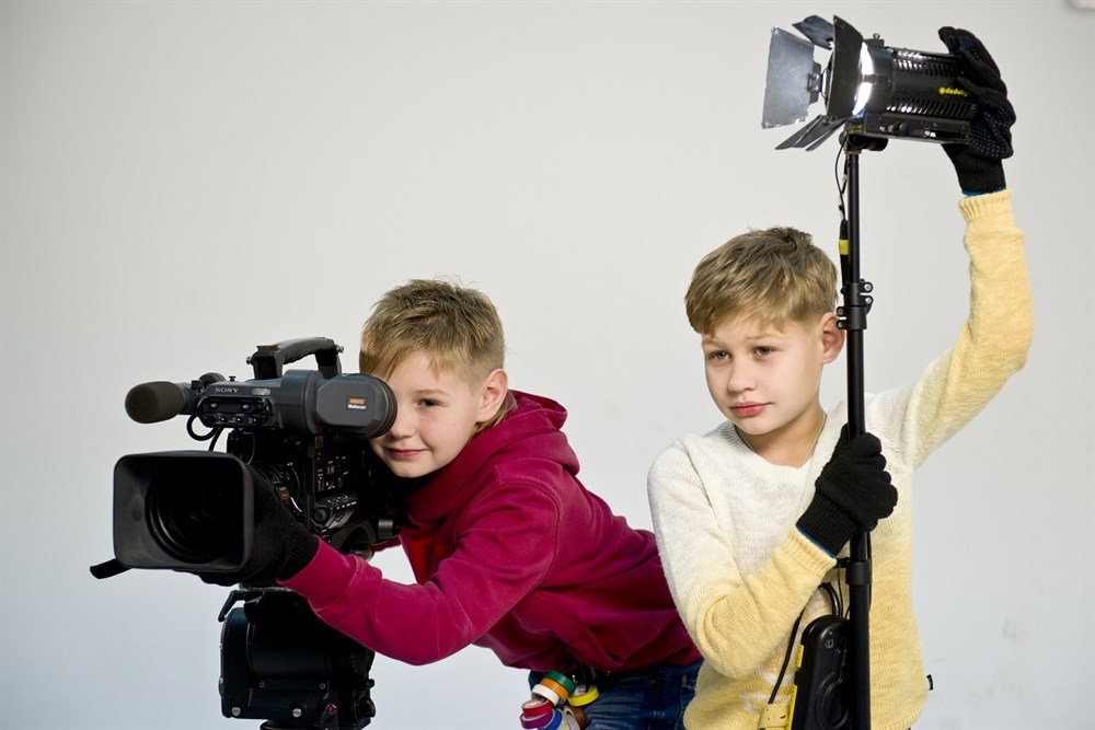 Как дети снимают фильмы в домашних условиях