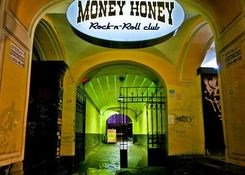 Клуб Money-Honey («Мани-Хани»)
