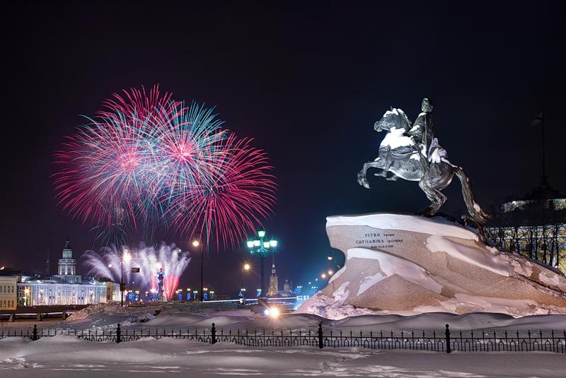 Чем заняться в новый год в санкт-петербурге