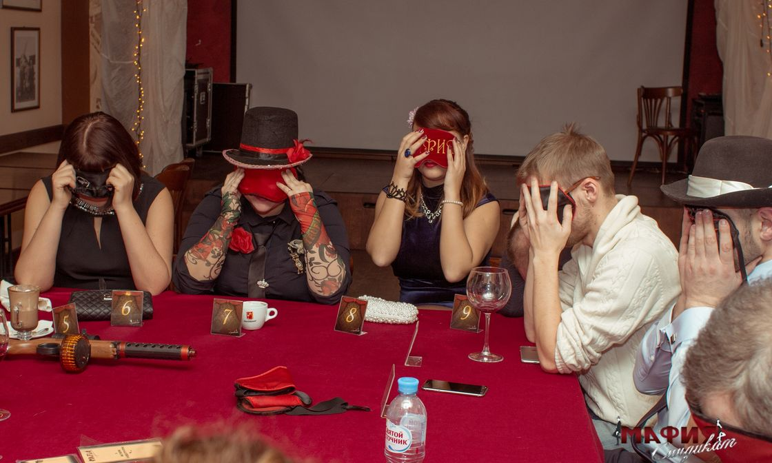 игры на знакомство людей за столом