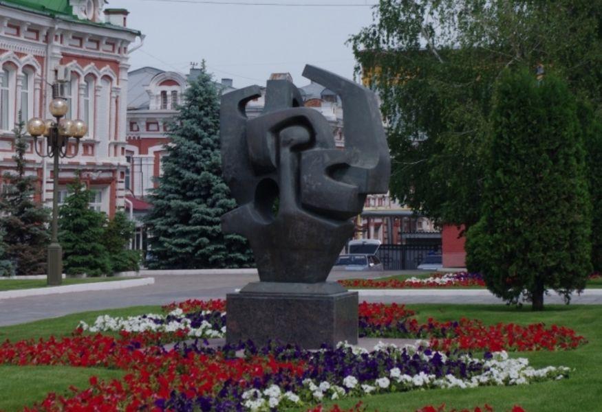 Памятник с сердцем ВДНХ Памятник Скала с колотыми гранями Тюкалинск