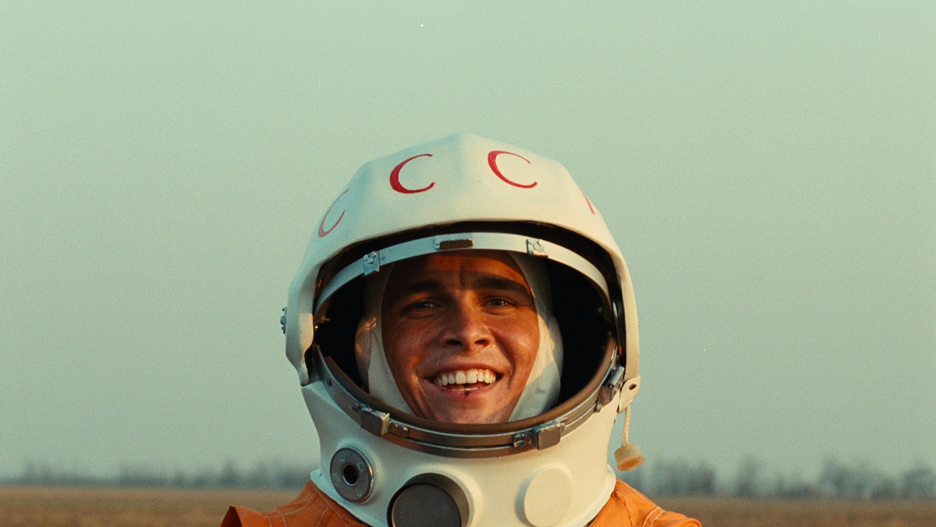 Гагарин фото в скафандре в высоком разрешении