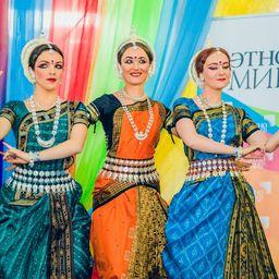 Праздник этнической моды и танца в «Этномире»