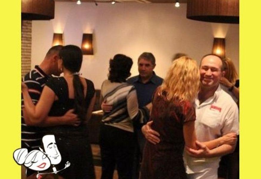бесплатный клуб знакомств кому за 30 москва