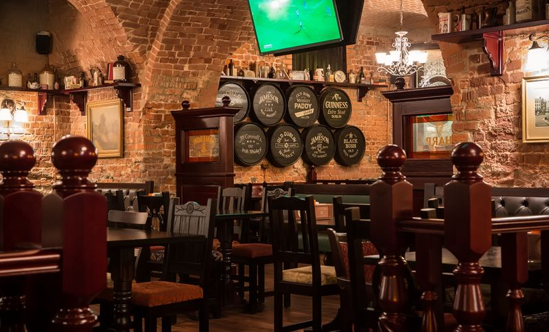 Паб Tap & Barrel Pub