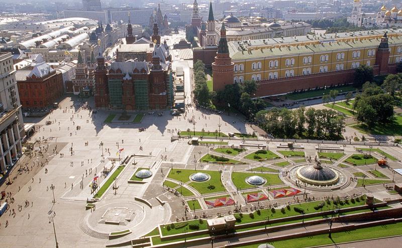 Картинки по запросу Манежная площадь Москва