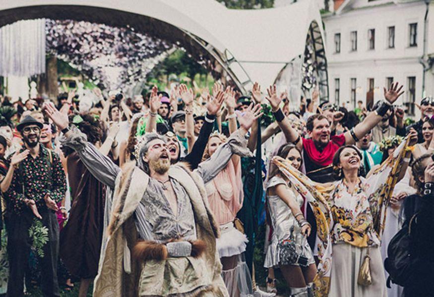 В Москве пройдет костюмированный бал Midsummer Night's Dream изоражения