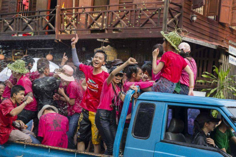Фотовыставка о жизни Лаоса