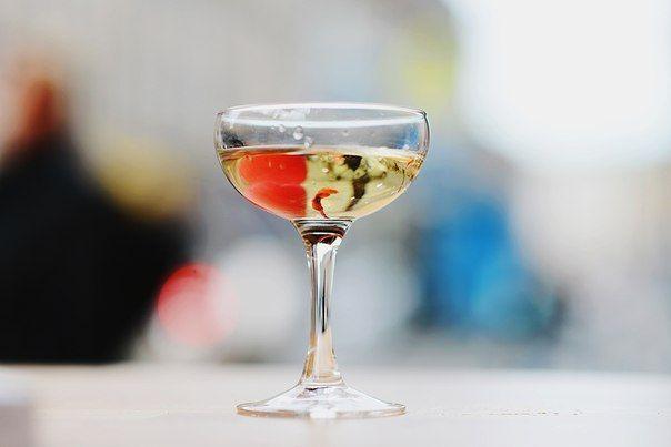 Фотовыставка «Петербург сквозь бокал вина»