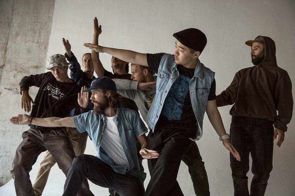 Студия уличного танца и перфоманса ФарФор / Танец