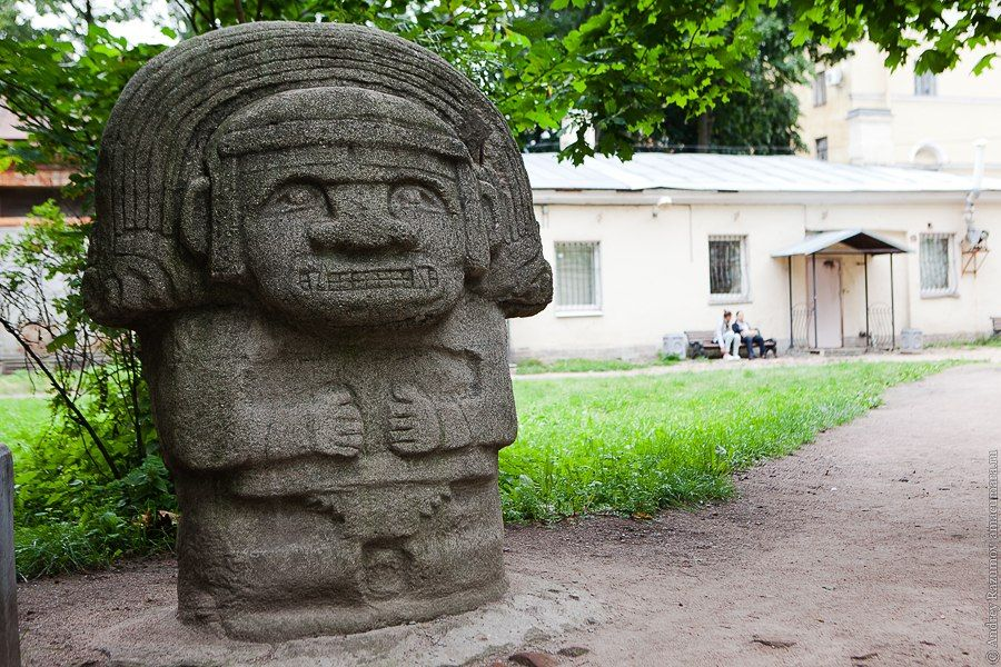 Скульптуры «Индейские боги»