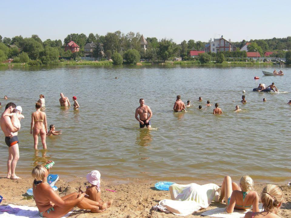 Мещерское озеро - Москва: http://www.2do2go.ru/msk/places/28559/meshcherskoe-ozero