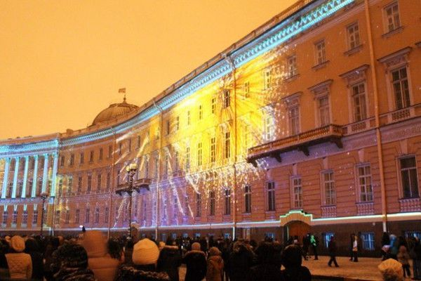 3D-шоу на фасадах Дворцовой площади