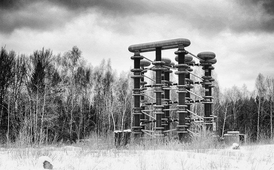 """2. Генератор  """"Аркадьева-Маркса """", который также называют  """"Катушка Тесла """" Место где производят искусственные молнии и..."""