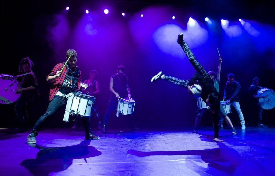 Шоу барабанщиков vasiliev groove и арт группы