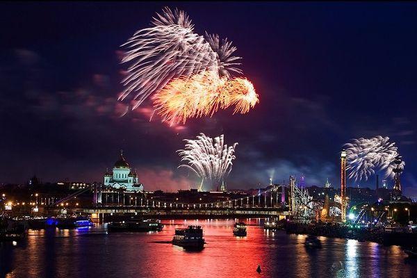 Где смотреть фейерверк в День города Москва