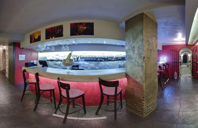 Ресторан «Виносыр»